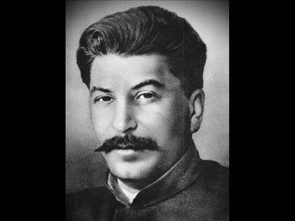 Сталин Ментовская пуля пробьет тебе голову только в том случае если ты не пробьешь ему первым ©