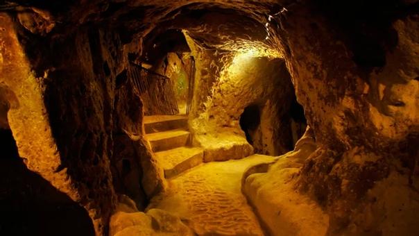 Уникальный подземный город Деринкую (Турция расположен в 40 километрах от национального парка Гёреме, вместе с которым, а также другими пещерными поселениями Каппадокии, внесен в список