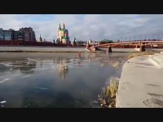 В Йошкар-Оле любители зимних забав прокатились по первому льду (1)