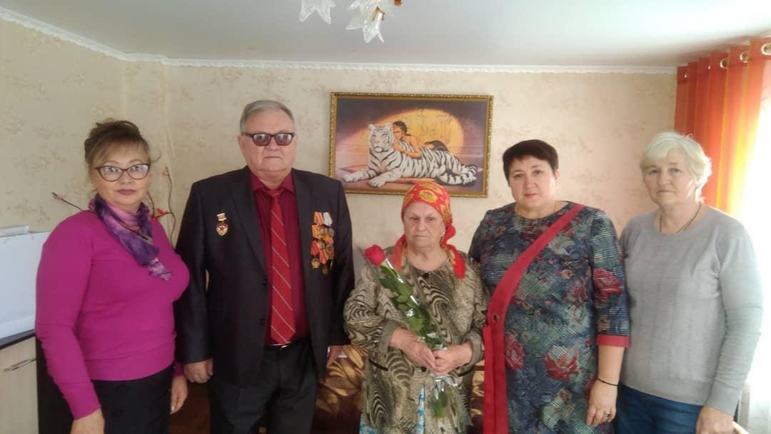 Труженикам тыла - жителям посёлка Пригородный вручили медали «75 лет победы в Великой Отечественной войне 1941 - 1945 годов»
