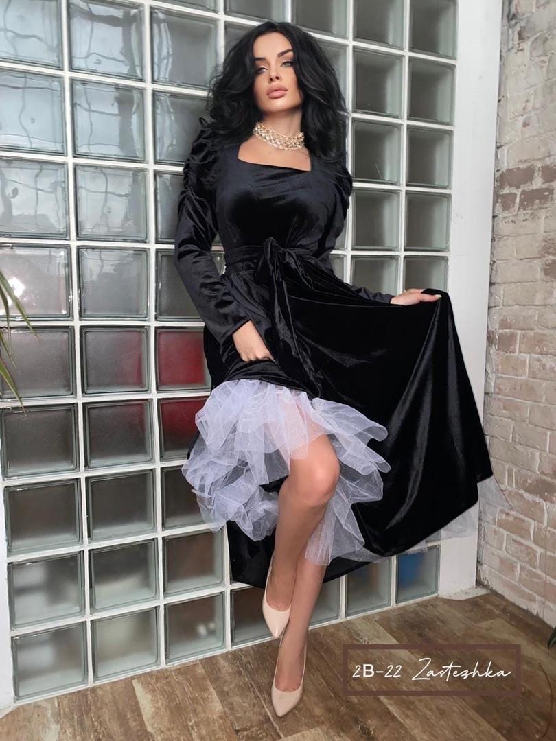 Получили  New Collection  Безумно красивое платье Королева   Размер : S , M , Л , ЛХ ( 42 , 44 , 46 , 48 )  Ткань : барби Приталенный силуэт и потрясающая расцветка притянет все взгляды на Вас Женственно и в тоже время сексуально Вы будите в центре вниман