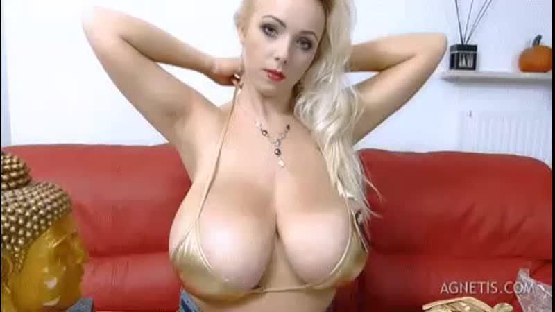 Annie Keenan Huge Boobs