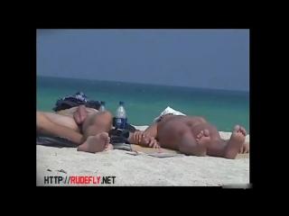 Randy Voyeur Using His Hidden Cam to Film Girls on a Nude Beach - Бесплатное порно - YouPorn