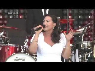 Caro Emerald - Fashion & Music (2013) HDTV