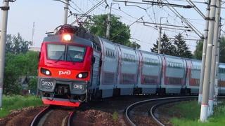 Электровоз ЭП20-069 с поездом№741В Москва-Брянск платформа Дачная