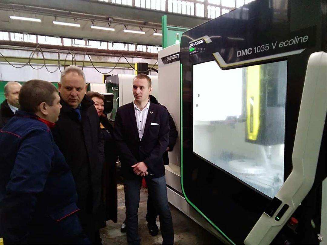 Петровский электромеханический завод «Молот» и ещё несколько оборонных предприятий Саратовской области важно загрузить контрактами, в том числе и на гражданскую продукцию