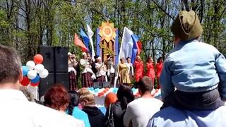 """9 мая 2015 года в городе Семилуки - концерт возле памятника  """"3 самолёта"""""""