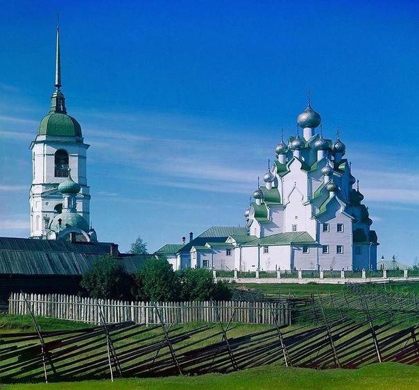 Вытегра (финно-уг «озёрная река») самый северный город Вологодской области, порт пяти морей: Балтийского, Белого, Каспийского, Черного и Азовского.Издревле по этим местам проходили
