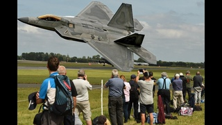 Awesome F-22 Raptor Falls/freefall from sky in full control  4K