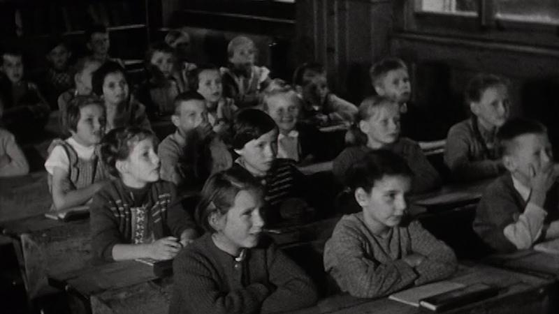 1955 Une journée à l'école