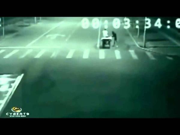 Ангел спасает на дороге