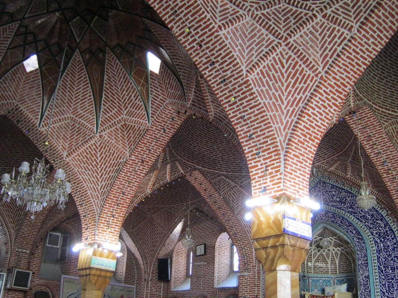 Старинная мечеть в иранском азербайджане