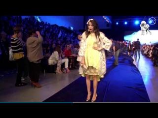 Macademian Girl w piórach 09 05 2014 FashionPhilosophy in Łodz POLAND