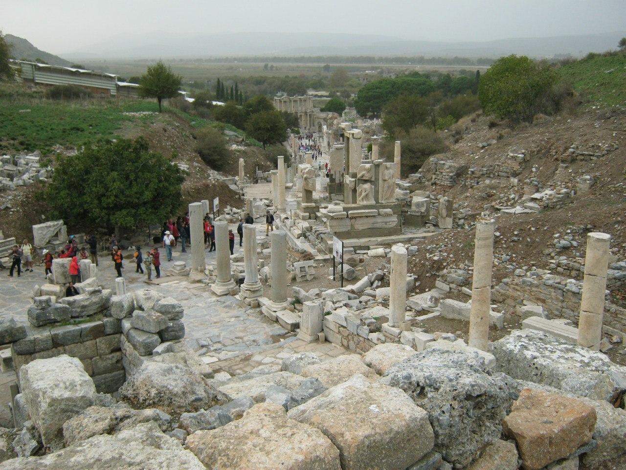 Вереница улиц древнего города Ефес