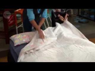 Как заправить одеяло в пододеяльник. Супер - способ