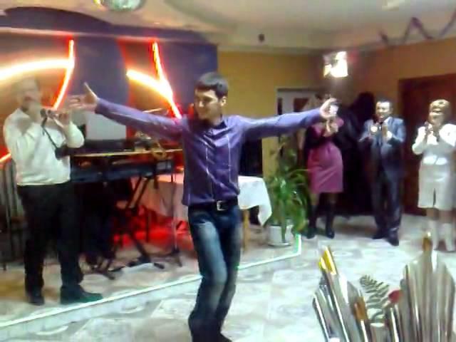 Кто сказал что русские не умеют танцевать лезгинку