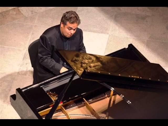 Arcadi Volodos plays 2 Rachmaninoff Wild songs live 2000