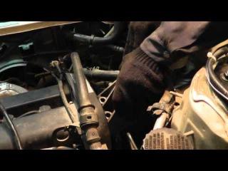 Мазда Трибьют: ремонт и обслуживание - Замена правой подушки двигателя (гелевой)
