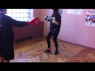 FTvideo: Девчёнки тоже бьют вертухи 2