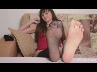 Russian girl smelly nylon feet ( 720 x 1280 ).mp4