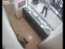 Грабитель получил в щи