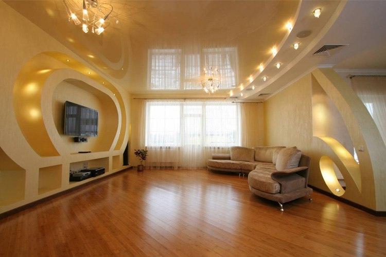 Как выбирать натяжные потолки в гостиную?, изображение №3
