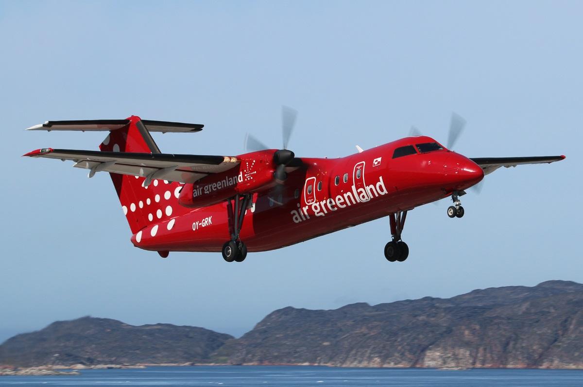 Взлет DHC-8 гренландского перевозчика