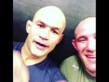 Бойцы UFC поют Фрэнка Синатру