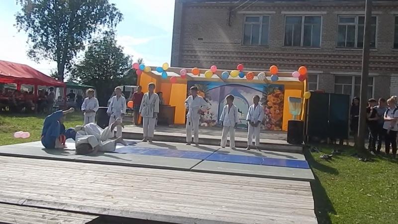 клуб дзюдо ПАРТНЁРпоказательные выступления в с.Пежма
