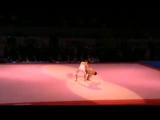 невероятный танец...чудеса владения телом