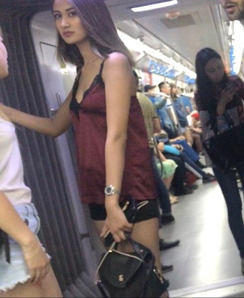 Анон  Была в Метро 🚇-вышла на станции