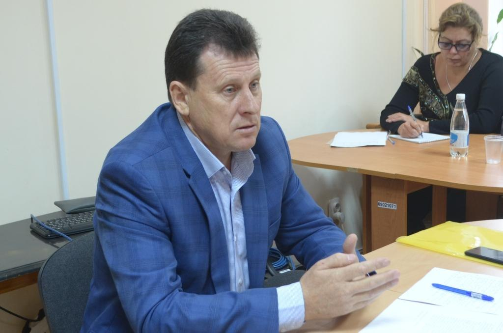 Ветераны задали самые важные вопросы главе администрации города Армянска