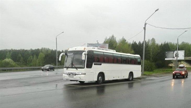 В Томске пьяный водитель вез детей на экскурсию