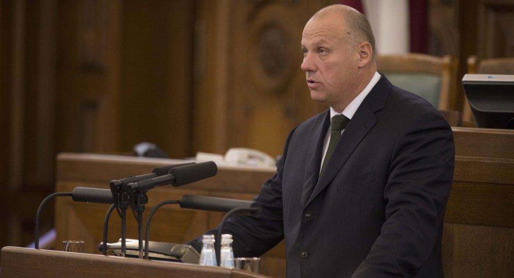 Министр обороны Латвии: «зачем бряцать оружием у дверей соседей»