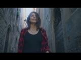 Alessandra Mastronardi в клипе Gianni Morandi - Dobbiamo fare luce