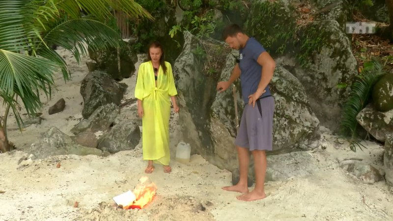 Дом-2: Шева сожгла барахло Арая