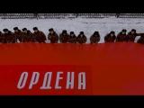 Кадеты развернули Знамя Победы на плацу корпуса. Вид с высоты птичьего полета.