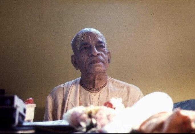 Шрила Прабхупада: Поэтичность — это еще одно качество вайшнава.