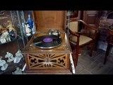 Граммофон - ящик расписной резной. Начало 20 века.