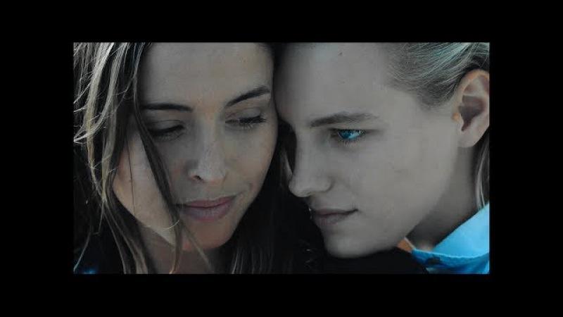 » Crazy In Love (Jasmine Dallas | Below Her Mouth)