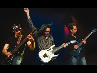G3 - Joe Satriani, Steve Vai, John Petrucci - Smoke On The Water [Deep Purple Cover] (G3, Live in Tokyo, 2005)