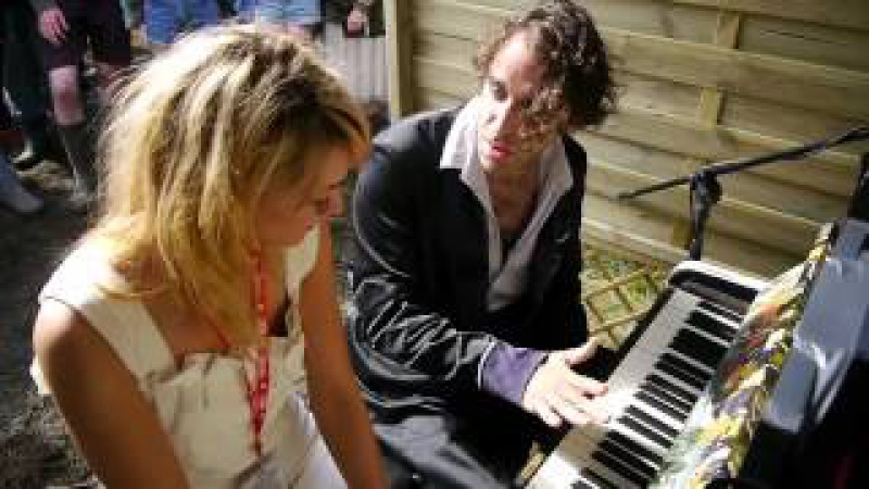 Chilly Gonzales gives Drowned in Sound a Piano Lesson The Re Swizzle
