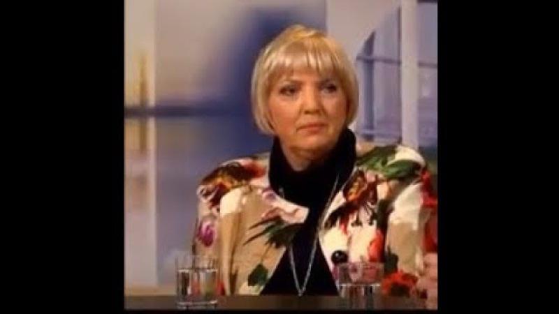 Claudia Roth blamiert sich und wird von Münchner Runde ignoriert