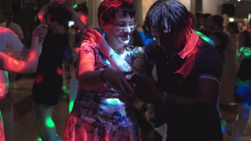 Mario Charon con Nadya (Party) (21.07.18) bururubarara