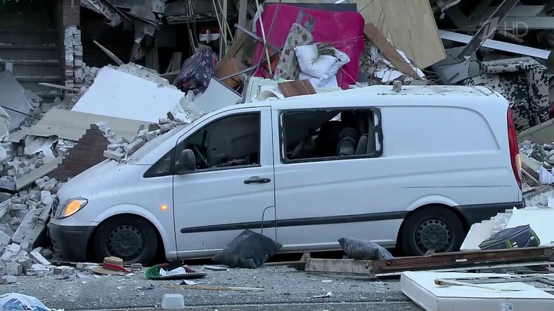 ВГааге разбирают завалы после взрыва бытового газа втрехэтажном жилом доме Новости Первый канал