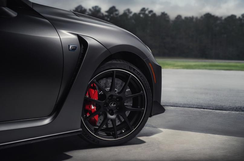 Обновленный Lexus RC F и трековая версия из карбона, изображение №11