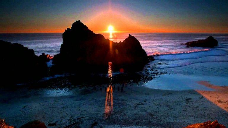 Пфайфер - пляж с фиолетовым песком, изображение №3