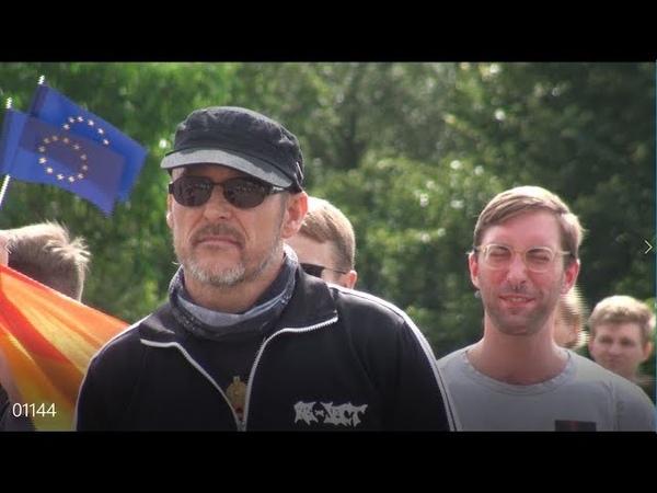 Heißer Empfang für die SPD JUSOS Antifa am Reichstag Berlin 17 08 2019