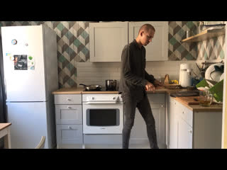 Уроки кулинарии с Алексеем Раковым. Готовим здоровую Еду, приправляя её парадиддлами!