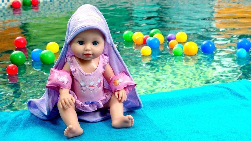 Historias de muñecos para niños Vamos a nadar con Baby Born Juegos para niñas pequeñas
